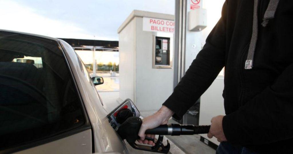 Las gasolineras sin trabajadores serán multadas en Extremadura