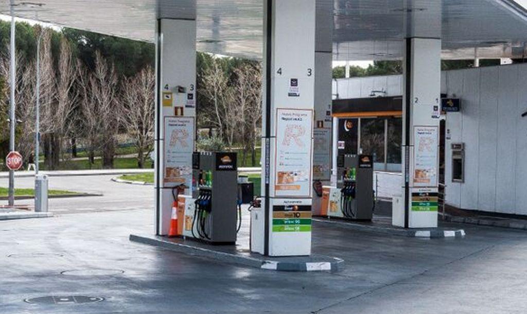 Gasolineras 'low-cost': ¿ofrecen combustible de la misma calidad que las tradicionales?