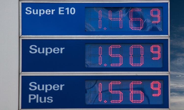 El precio de la gasolina aumentó un 2,6 % en enero y el gasóleo, un 2,9 %