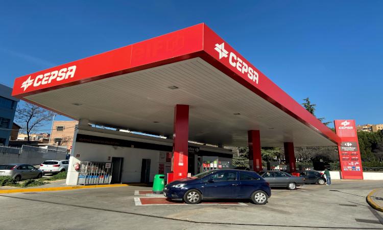 Gasolineras «al límite» por desplome de las ventas