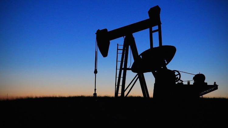 La pandemia reduce a la mitad el beneficio de la mayor petrolera del mundo