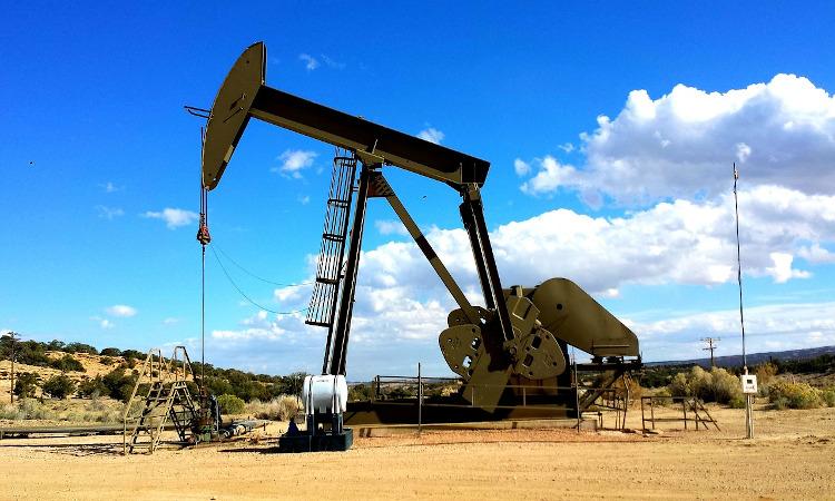 Las importaciones de crudo a España se desploman un 21% en agosto