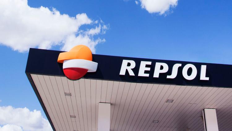 El tirón de las renovables anima a Repsol