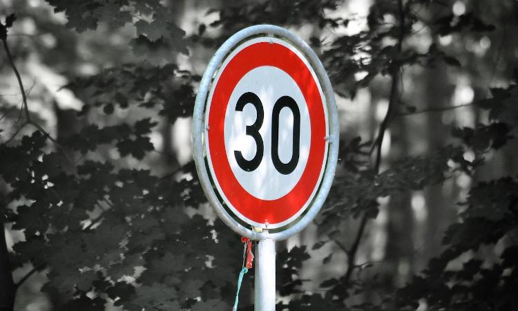 La DGT cambia la velocidad máxima: lo que debes saber para evitar multas