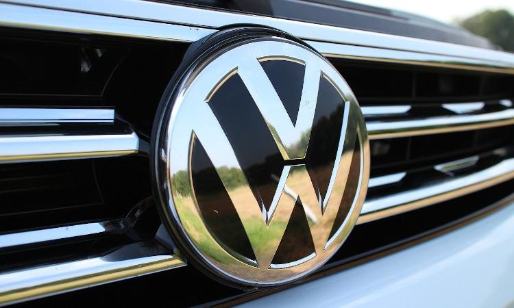 VW dice adiós al cambio manual en los coches