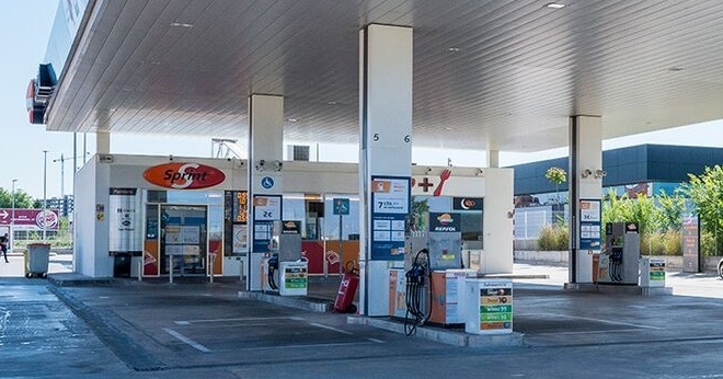 Los precios de los carburantes bajan