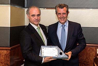 HOMENAJE DE AEVECAR A D. RAFAEL PIZARRO CRESPO
