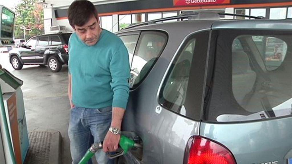 El precio de la gasolina y el gasóleo se contiene