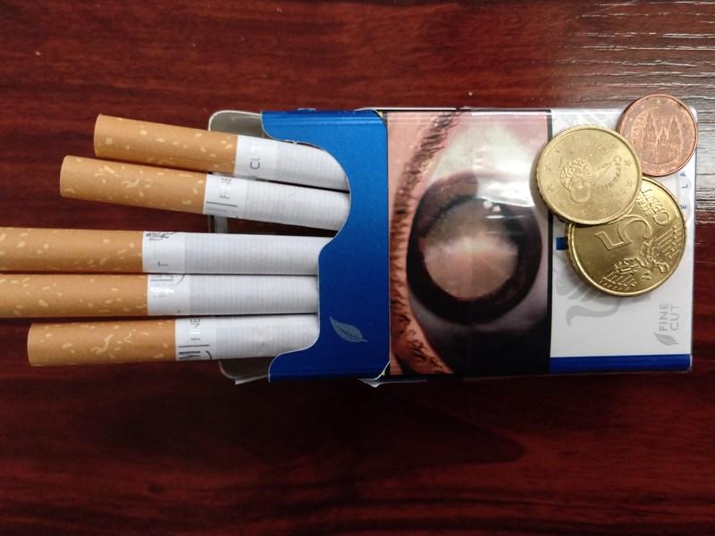 Las EESS con máquina expendedora de tabaco tendrán que registrarse como operadores en la Fábrica Nacional de Moneda y Timbre antes del 1 de octubre