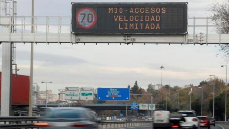 Las estaciones de servicio atendidas y seguras recomiendan a los conductores precaución en sus desplazamientos vacacionales